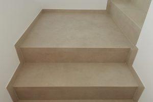 1 detajl resevanja napacno betoniranih stopnic s stanjsano obrobo 2