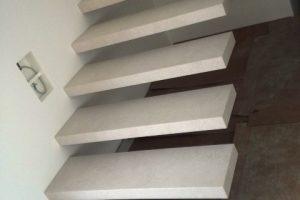 posebna izvedba visečega stopnišča