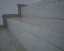 Pravilna montaza balkonske obrobe na stopnicah