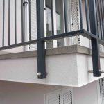 balkon z balkonsko obrobo 5cm s strani