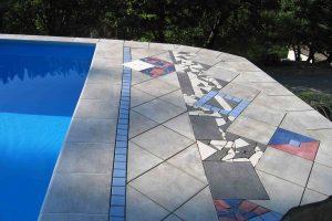 bazenska obroba z klasicnim stopniscnim elementom