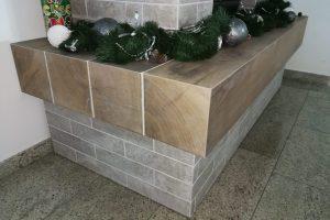 kamin iz keramike imitacije lesa