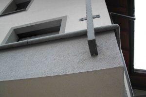 luna element kot balkonska obroba pravilno vgrajen z odmikom