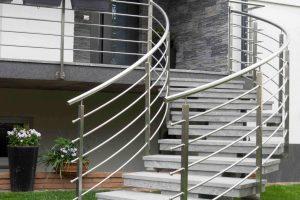 prenovljene stare teraco stopnice